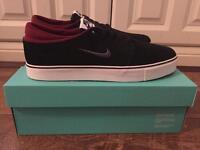 Nike Shoes - Size 10
