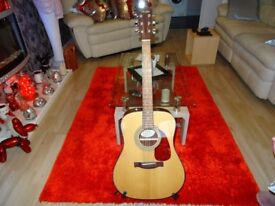 Fender CD-140 S acoustic guitar + tuner stand and bag