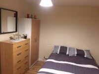 ** Lovely Double room in the Heart of Willesden Green **