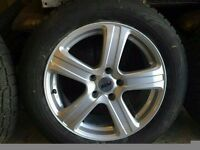 215/60R17 Nokian Winter tyres fitted to 5 spoke alloy wheels