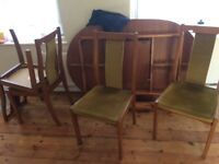Extendable table and matching chairs good quality
