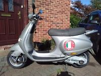 2004 Vespa ET4 125 automatic scooter, new 1 year MOT, very good runner, classic look, bargain ,,,,