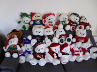 18 Christmas collectable teddy bears in excellent condition