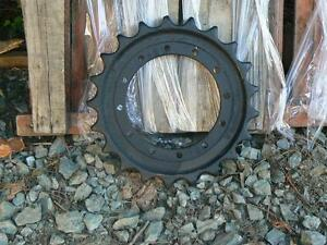 Hitachi EX 75 sprockets