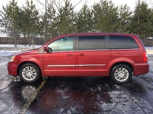 2015 Chrysler Town & Country Touring STOW'N GO