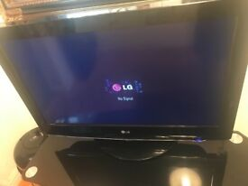 LG TV IN MINT CONDITION - FREEVIEW CHANNELS