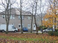 Immaculate two bedroom upper cottage flat to rent in the Cardonald area of Glasgow G52