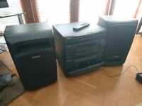 Vinyl player, CD player, 2 speakers