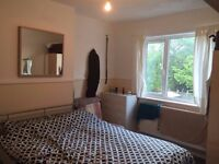 £ 470 Double Room to let in seven kings