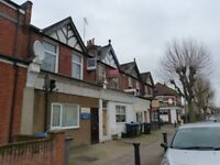 DSS Friendly two double bedroom split level apartment to rent in Willesden