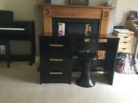 Desk Black Gloss with Stool £75.00