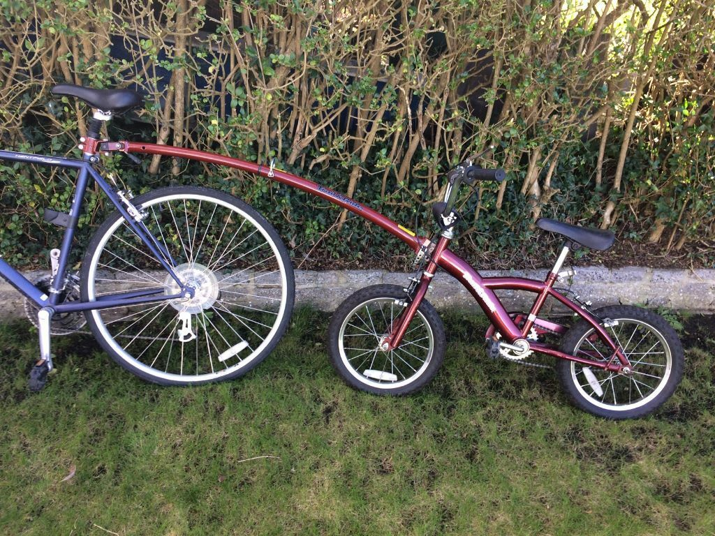 Halfords Burgundy Kids 16 Bike Trail Gator Child Bike Tow Bar