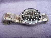 MEN`s SUBMARINER STYLE AUTOMATIC DIVERS WATCH - FREE POSTAGE.