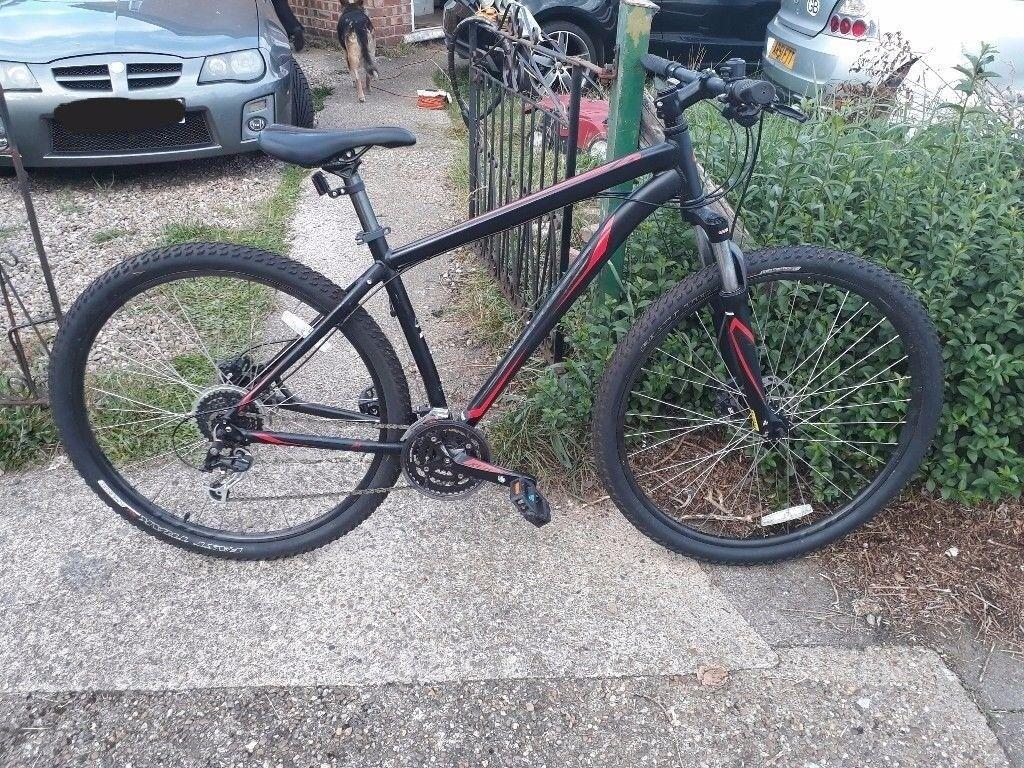 Specialized Hardrock Sport mountain bike (REDUCED)
