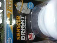 SENSOR LIGHT BATTERY POWERED