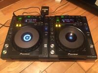 Pair of pioneer 850 k cdj decks turntables
