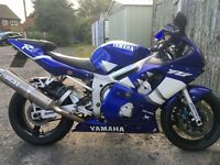 R6 immaculate condition full MOT just had full service and new folk seals