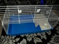 Cage ( indoor )