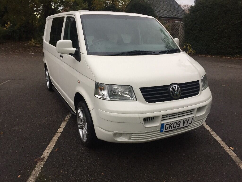 volkswagen camper van vw t5 vw transporter day van white 2009 73000 miles volkswagen transpoer. Black Bedroom Furniture Sets. Home Design Ideas