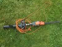 Telescope hedge trimmers