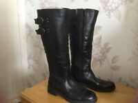 Ladies Black Leather Boots Size 4 in good condition