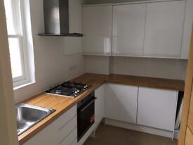 SB Lets are delighted to offer this luxury 2 bedroom apartment located in central Haywards Heath