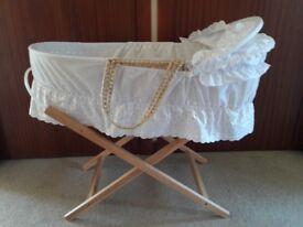 Palm Moses basket & folding stand