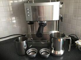 Delonghi easy serving espresso machine with all the bits
