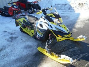 2016 ski-doo MXZ X RS 800R E-TEC DÉMO -