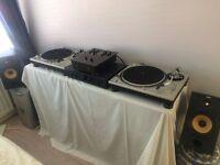 2 x Technics 1200's MK2 - Excellent Condition - Inc' Mixer-Amp-Speakers-250 Vinyls - Full DJ Set-up