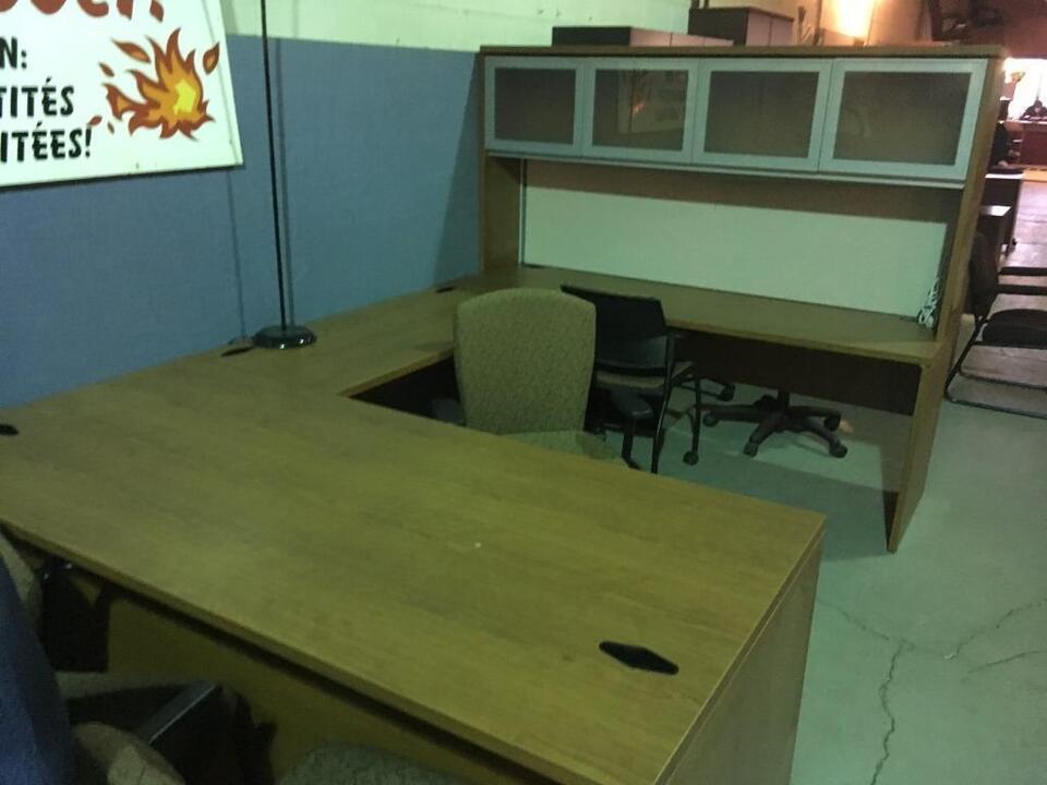 Tout est en liquidation meubles de bureau guimond desks