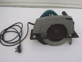 Maktia 240 volt Circular saw 235mm blade 1380 watt Good working order
