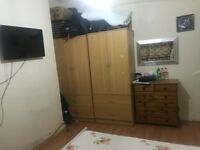 Double room to rent available now , Single person £440 pcm/Couple £490 pcm near Plaistow station
