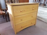 Excellent condition chest of 3 large drawers
