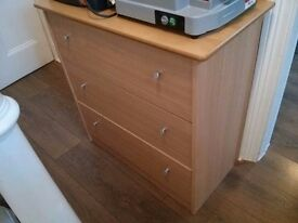 Free chest 3 drawers 80w 81h 40d middle drawer needs fixing