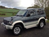 MITSUBISHI PAJERO 2.8 LTD EDITION SWB 3 DOORS 4X4 AUTOMATIC GREEN ** LOW MILEAGE!!** LONG MOT!! **