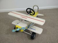 Vintage toy sit on bi-plane. Excellent condition. Measures 22x17x28 inches