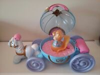DISNEY PRINCESS CINDERELLA MUSICAL CARRIAGE AND FIGURE FISHER PRICE LITTLE PEOPLE KIDS TOYS