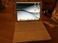 Apple iBook G4 laptop 💻