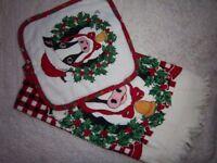 New Christmas Tea Towel & Pot Holder Set IP1