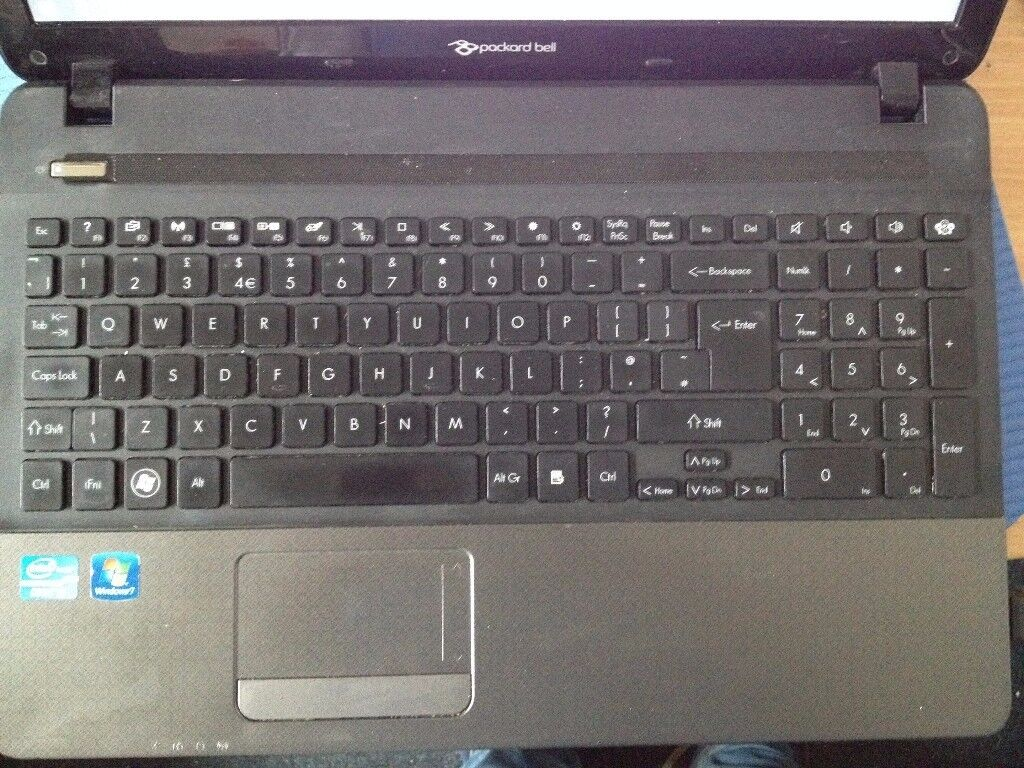 Packard Bell Easynote TS11HR I3 Laptop for sale.
