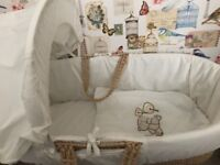 Moses basket with matteress and sheet