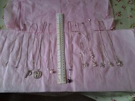 9 Pia silver necklaces