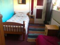 TWO ROOMS - one SINGLE oneTWIN for short term rent FALMOUTH - £20 per day