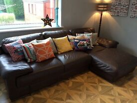 STUNNING LEATHER SOFA - in perfect condition