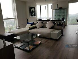 3 bedroom flat in Skyline Apartments, London, N4 (3 bed) (#1173171)
