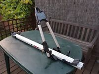 Locking Thule Bike carrier for the roof