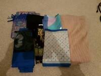Bundle of ladies scarfs