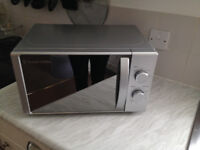 Russell Hobbs Microwave 800W Silver