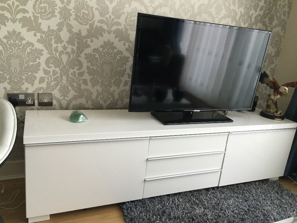 ikea besta burs glossy white tv stand with drawers in walthamstow